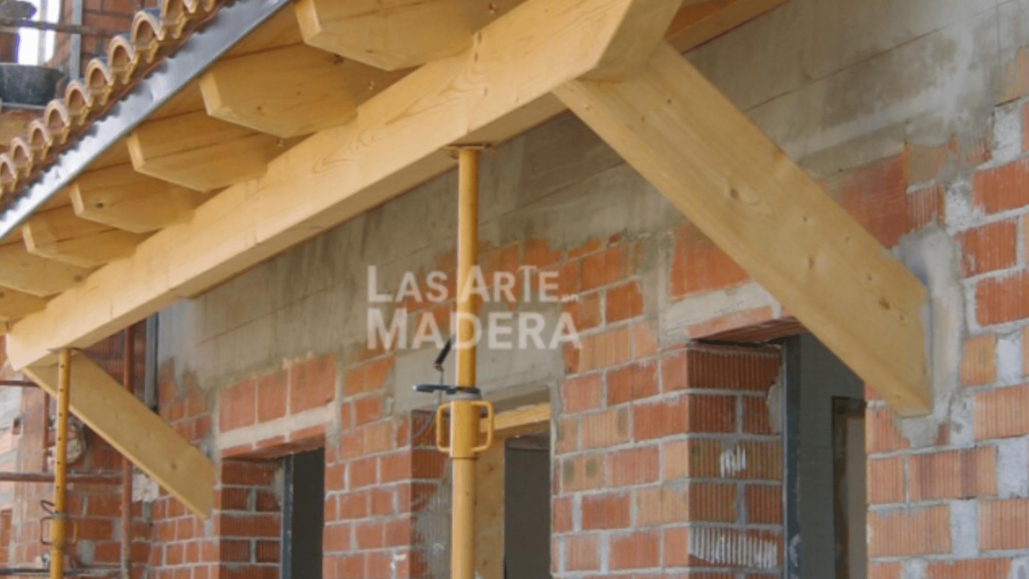Aleros de madera para casas r sticas en madera for Canaletas para techos de madera