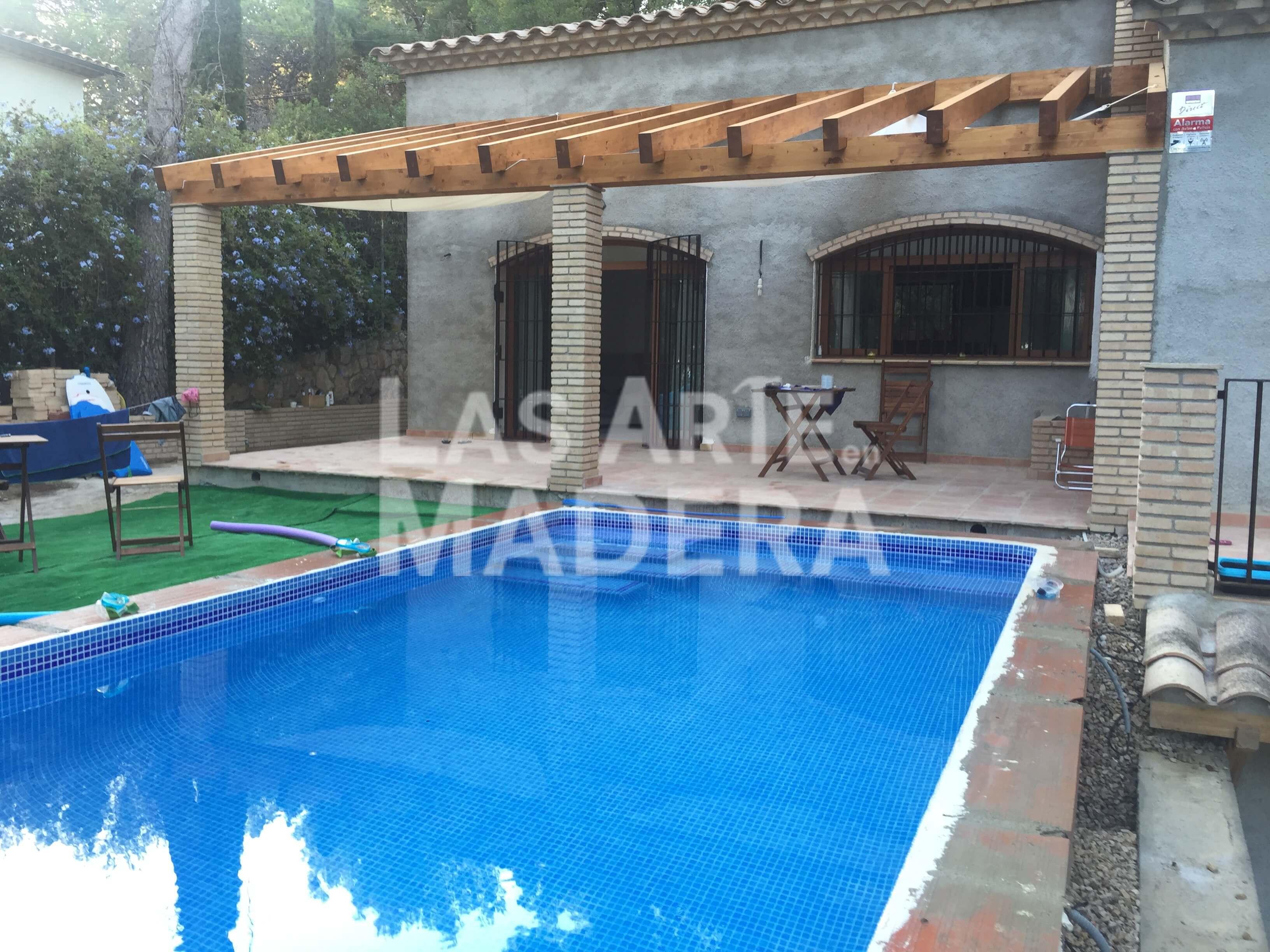 Pergolas para piscinas elegant pergolas porches piscina for Pergolas para piscinas